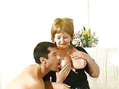 Vanha venäläinen äiti saa hänen itsensä Aasian poika lounas